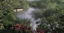 nehir kenarı otel